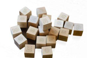 игра с дървени кубчета с Букви 1