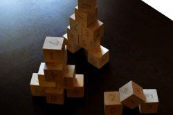 игра с дървени кубчета с Букви 3