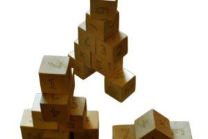игра с дървени кубчета с Цифри 1
