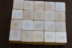 игра с дървени кубчета с Цифри 5
